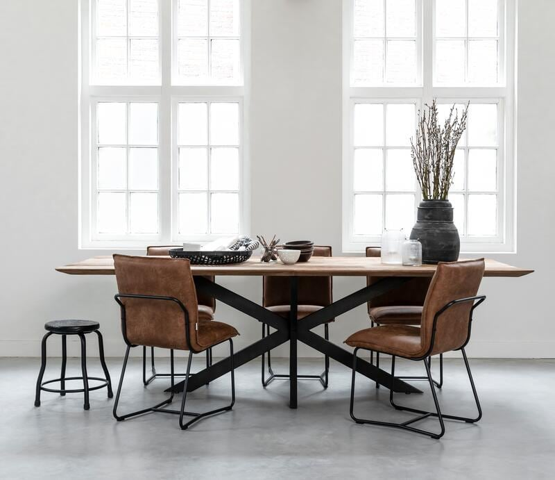 Snugg-TI Curves dining table