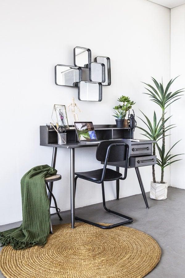 Snugg By-Boo_Helpdesk musta työpöytä työhuoneen sisustus