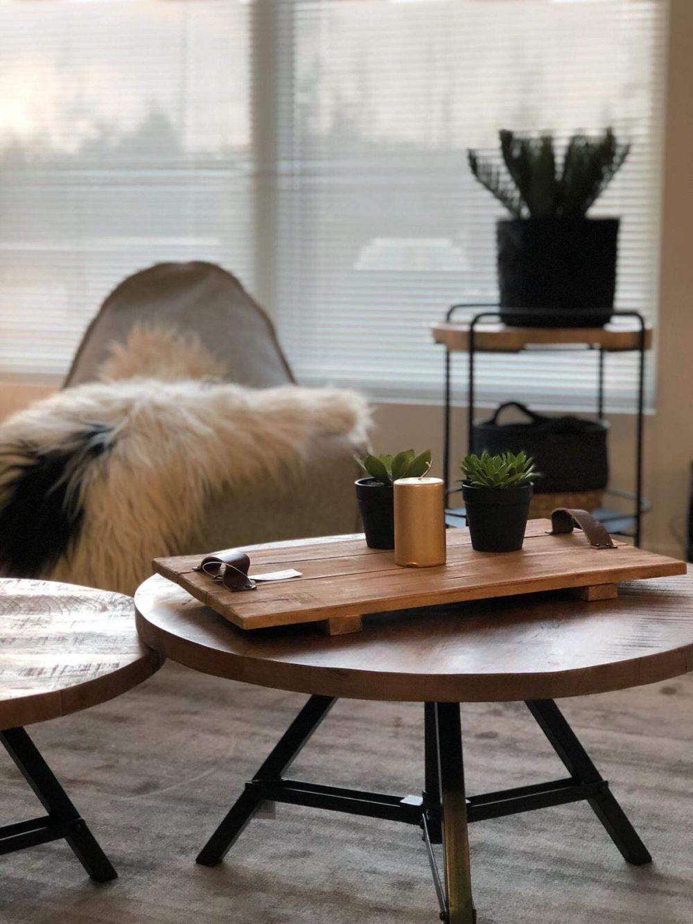 Snugg olohuoneen sisustus - Discuss sohvapöydät, SackIT tuoli ja tarjoiluvaunu