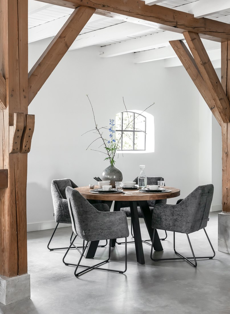 Snugg Timeless-dining-table-beam-round-plus-chair-dream