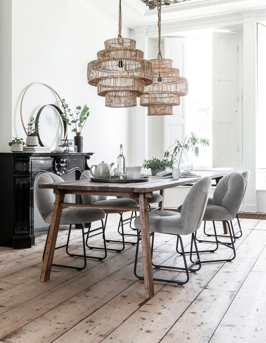 Snugg Must Living-table-campo-chair-bouton-lamp-santa-eularia